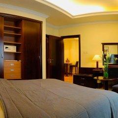 Sharjah Premiere Hotel & Resort сейф в номере