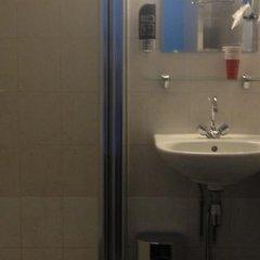 Budget Hotel Damrak Inn ванная фото 2