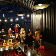 Отель The Prince of Whales Hostel & Bar Вьетнам, Хошимин - отзывы, цены и фото номеров - забронировать отель The Prince of Whales Hostel & Bar онлайн питание фото 3