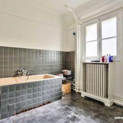 Апартаменты Cozy Apartment next to Eiffel Tower ванная фото 2