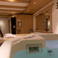 Отель Boutique Hotel Alpenrose Швейцария, Шёнрид - отзывы, цены и фото номеров - забронировать отель Boutique Hotel Alpenrose онлайн бассейн фото 2