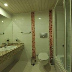 Belcehan Deluxe Hotel Турция, Олудениз - отзывы, цены и фото номеров - забронировать отель Belcehan Deluxe Hotel онлайн ванная фото 2
