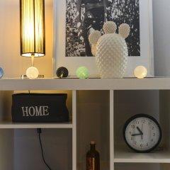 Апартаменты Downtown Colour Studio сейф в номере