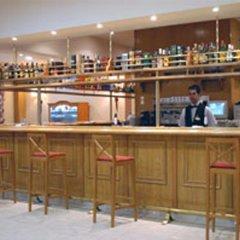 Отель Bahia Tropical Альмуньекар гостиничный бар