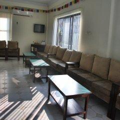 Отель Crown Himalayas Непал, Покхара - отзывы, цены и фото номеров - забронировать отель Crown Himalayas онлайн интерьер отеля фото 3
