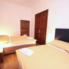 Отель V lesicku residence Чехия, Прага - отзывы, цены и фото номеров - забронировать отель V lesicku residence онлайн комната для гостей фото 4