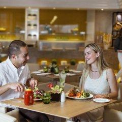 Отель Jumeira Rotana питание фото 3