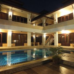 Отель Chaba Garden Resort бассейн