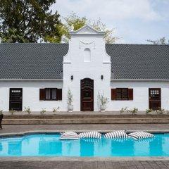 Отель Stellenhof Farmstay B&B бассейн