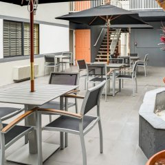 Отель Rodeway Inn Los Angeles бассейн