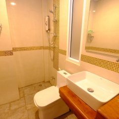 Отель The Peace Tara House Ланта ванная