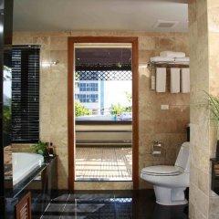 Отель The Royal Paradise Hotel & Spa Таиланд, Пхукет - 4 отзыва об отеле, цены и фото номеров - забронировать отель The Royal Paradise Hotel & Spa онлайн интерьер отеля