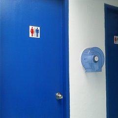 Отель Drop Inn Singapore сейф в номере