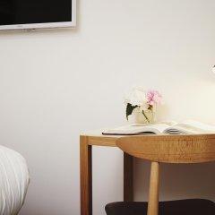 Отель 9Hotel Republique 4* Стандартный номер с различными типами кроватей фото 6
