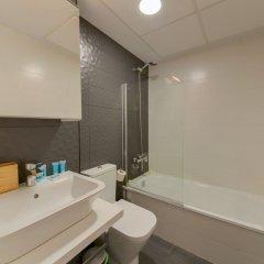 Отель Holidays2 Malaga Cizaña Испания, Торремолинос - отзывы, цены и фото номеров - забронировать отель Holidays2 Malaga Cizaña онлайн ванная
