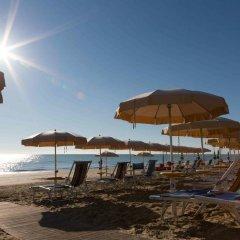 Отель Miramare Италия, Пинето - отзывы, цены и фото номеров - забронировать отель Miramare онлайн пляж