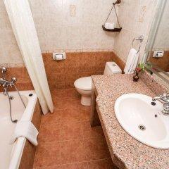 Отель Barahi Непал, Покхара - отзывы, цены и фото номеров - забронировать отель Barahi онлайн ванная