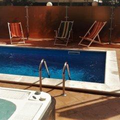 Hotel Prestige Римини бассейн
