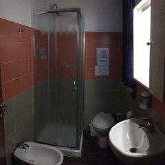 Отель Old Milano House - Hostel Италия, Милан - отзывы, цены и фото номеров - забронировать отель Old Milano House - Hostel онлайн ванная