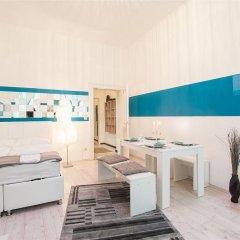 Апартаменты Royal Resort Apartments Westbahnhof Vienna Вена бассейн