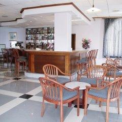 Отель Gillieru Harbour Сан-Пауль-иль-Бахар гостиничный бар