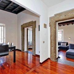 Апартаменты Farnese Elegant Apartment комната для гостей фото 5