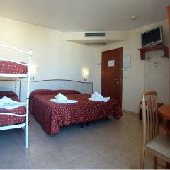 Отель Harmony Римини сейф в номере фото 2