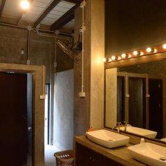 Отель Folktel 39 - Hostel Таиланд, Бангкок - отзывы, цены и фото номеров - забронировать отель Folktel 39 - Hostel онлайн ванная