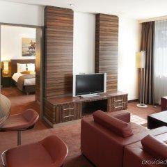 Гостиница Holiday Inn Almaty комната для гостей