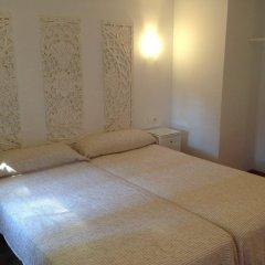 Отель Hostal Los Geranios Del Pinar Торремолинос комната для гостей