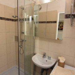 Отель Checkvienna Kröllgasse Вена ванная