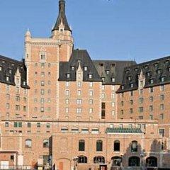 Отель Delta Hotels by Marriott Bessborough городской автобус