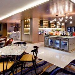 Отель Pullman Kuala Lumpur City Centre Hotel & Residences Малайзия, Куала-Лумпур - отзывы, цены и фото номеров - забронировать отель Pullman Kuala Lumpur City Centre Hotel & Residences онлайн питание фото 3