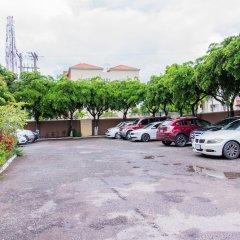 Отель Comlin Bank 13 by Pro Homes Jamaica парковка