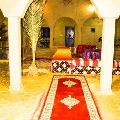 Отель Auberge Les Roches Марокко, Мерзуга - отзывы, цены и фото номеров - забронировать отель Auberge Les Roches онлайн интерьер отеля фото 3