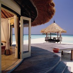 Отель Banyan Tree Vabbinfaru Мальдивы, Остров Гасфинолу - отзывы, цены и фото номеров - забронировать отель Banyan Tree Vabbinfaru онлайн приотельная территория