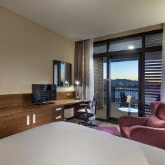Hilton Garden Inn Izmir Bayrakli Турция, Измир - отзывы, цены и фото номеров - забронировать отель Hilton Garden Inn Izmir Bayrakli онлайн удобства в номере