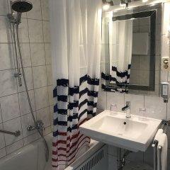 Отель Nymphenburg München Германия, Мюнхен - отзывы, цены и фото номеров - забронировать отель Nymphenburg München онлайн ванная