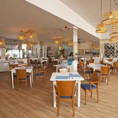 Отель FERGUS Style Soller Beach гостиничный бар