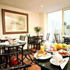 Отель Villa Des Ambassadeurs Франция, Париж - 1 отзыв об отеле, цены и фото номеров - забронировать отель Villa Des Ambassadeurs онлайн питание фото 2