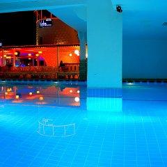 Club Vela Hotel бассейн
