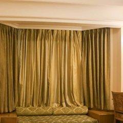 Отель Dee Marks Hotel & Resorts Индия, Нью-Дели - отзывы, цены и фото номеров - забронировать отель Dee Marks Hotel & Resorts онлайн сейф в номере