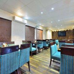 Отель OYO 9761 Hotel Clark Heights Индия, Нью-Дели - отзывы, цены и фото номеров - забронировать отель OYO 9761 Hotel Clark Heights онлайн гостиничный бар