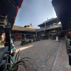 Отель Sam's Patio Bed And Breakfast Непал, Лалитпур - отзывы, цены и фото номеров - забронировать отель Sam's Patio Bed And Breakfast онлайн парковка
