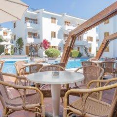 Отель Aparthotel Flora Испания, Полленса - 1 отзыв об отеле, цены и фото номеров - забронировать отель Aparthotel Flora онлайн бассейн