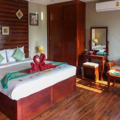 Отель The Hip Resort @ Khao Lak сейф в номере
