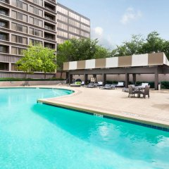 Отель DoubleTree Suites by Hilton Houston by the Galleria бассейн