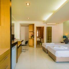 Отель Hallo Patong Dormtel And Restaurant Патонг сейф в номере