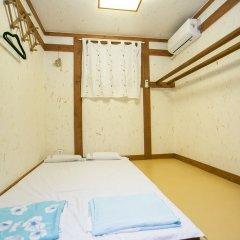Отель Bukchonmaru Hanok Guesthouse бассейн