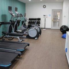 Отель Charter Inn and Suites фитнесс-зал